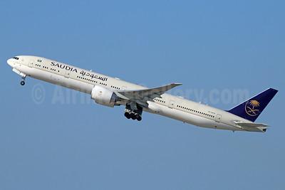 Saudia (Saudi Arabian Airlines) Boeing 777-368 ER HZ-AK19 (msn 41056) LAX (Michael B. Ing). Image: 932895.