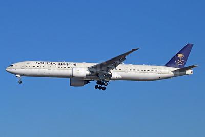 Saudia (Saudi Arabian Airlines) Boeing 777-368 ER HZ-AK19 (msn 41056) LAX (Michael B. Ing). Image: 932894.