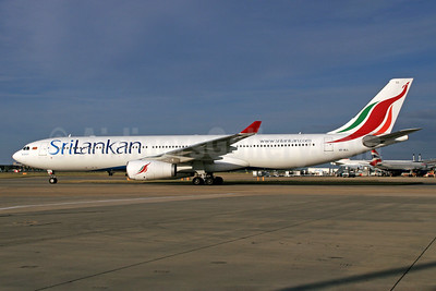 SriLankan Airlines Airbus A330-343 4R-ALL (msn 1564) LHR. Image: 933517.