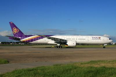 Thai Airways International Boeing 777-3D7 HS-TKX (msn 42113) LHR. Image: 933437.