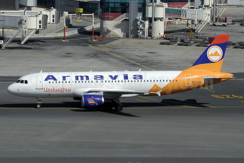 Armavia Air Company Airbus A320-211 EK32008 (msn 229) DXB (Paul Denton). Image: 911748.