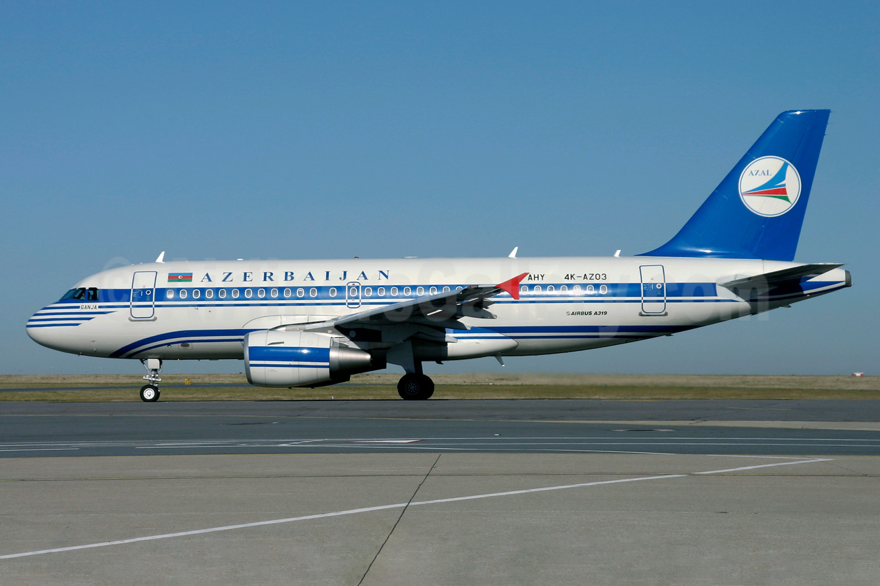 Azerbaijan Airlines-AZAL Airbus A319-111 4K-AZ03 (msn 2516) CDG (Christian Volpati). Image: 901374.