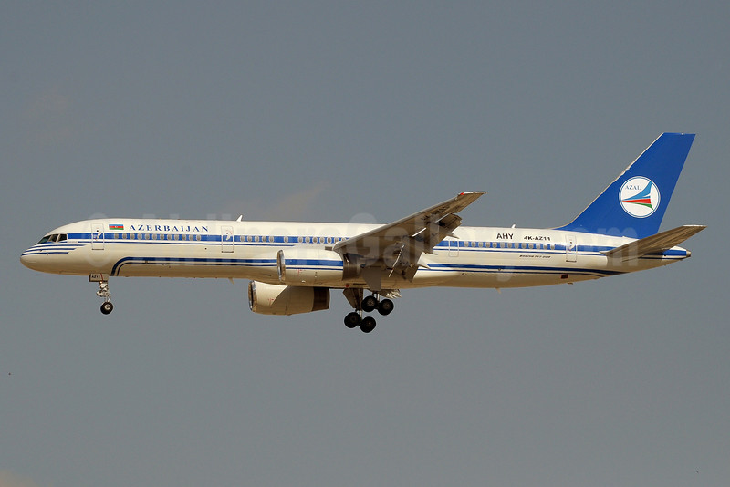 Azerbaijan Airlines-AZAL Boeing 757-22L 4K-AZ11 (msn 29305) DXB (Paul Denton). Image: 913752.