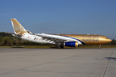 Gulf Air Airbus A330-243 A9C-KJ (msn 992) (Gulf Air Grand Prix 2011) ZRH (Rolf Wallner). Image: 907304.