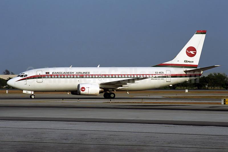 Biman Bangladesh Airlines Boeing 737-377 S2-AEA (msn 24304) BKK (Rob Finlayson). Image: 934251.
