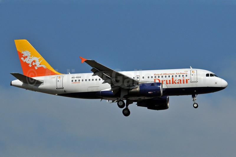 Drukair-Royal Bhutan Airlines Airbus A319-115 A5-RGG (msn 2346) BKK (Ken Petersen). Image: 904902.