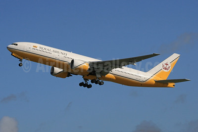 Royal Brunei Airlines Boeing 777-212 ER V8-BLA (msn 30871) LHR (SPA). Image: 924473.