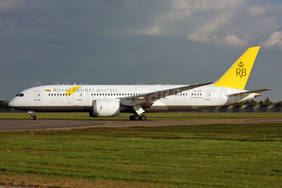 Royal Brunei Airlines Boeing 787-8 Dreamliner V8-DLB (msn 34786) LHR. Image: 937636.
