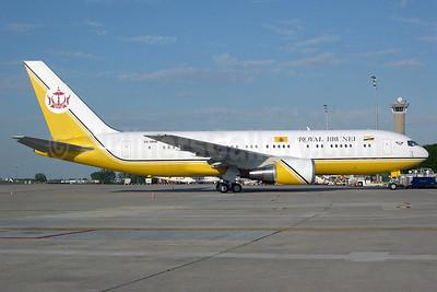 Royal Brunei Airlines Boeing 767-27G ER V8-MHB (msn 25537) CDG (Pepscl). Image: 901023.