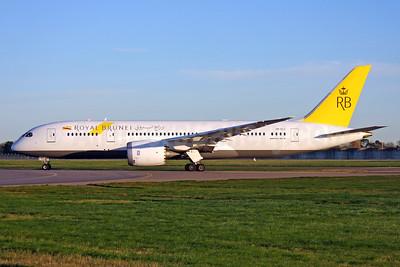 Royal Brunei Airlines Boeing 787-8 Dreamliner V8-DLC (msn 34789) LHR. Image: 937362.