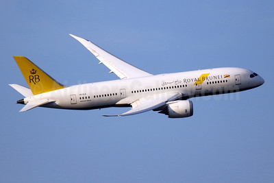 Royal Brunei Airlines Boeing 787-8 Dreamliner V8-DLB (msn 34786) LHR (SPA). Image: 934902.