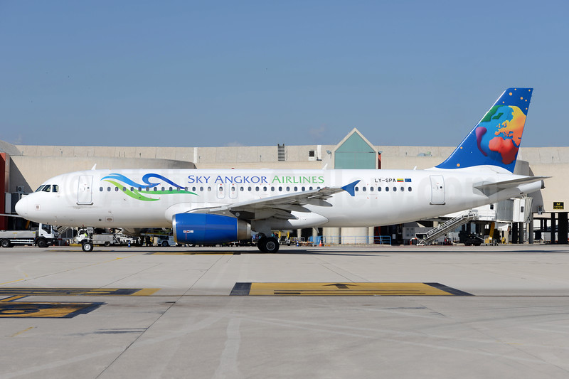 Sky Angkor Airlines (Small Planet Airlines) Airbus A320-232 LY-SPA (XU-716) (msn 1715) AMS (Ton Jochems). Image: 938253.