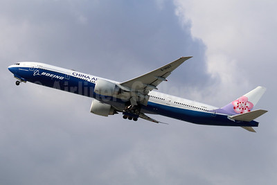China Airlines Boeing 777-309 ER B-18007 (msn 43982) (Boeing special colors) ONT (Michael B. Ing). Image: 941348.