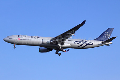 China Airlines Airbus A330-302 B-18311 (msn 752) (SkyTeam) BKK (Michael B. Ing). Image: 910290.