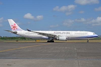 China Airlines Airbus A330-302 B-18315 (msn 823) DPS (Michael B. Ing). Image: 929572.