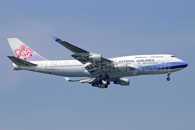 China Airlines Boeing 747-409 B-18206 (msn 29030) BKK (Michael B. Ing). Image: 944631.