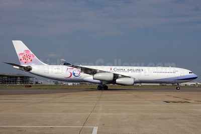 China Airlines Airbus A340-313 B-18806 (msn 433) (50 Years Since 1959) LHR (Antony J. Best). Image: 906928.