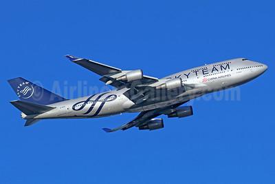 China Airlines Boeing 747-409 B-18211 (msn 33735) (SkyTeam) NRT (Michael B. Ing). Image: 935612.