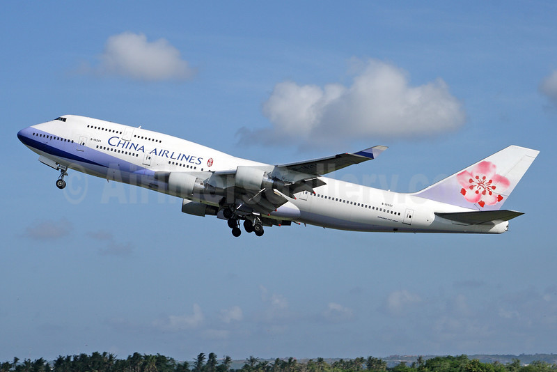 China Airlines Boeing 747-409 B-18201 (msn 28709) DPS (Michael B. Ing). Image: 929570.