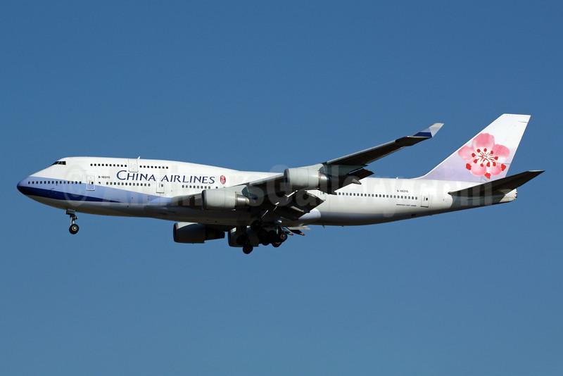 China Airlines Boeing 747-409 B-18215 (msn 33737) NRT (Michael B. Ing). Image: 901413.