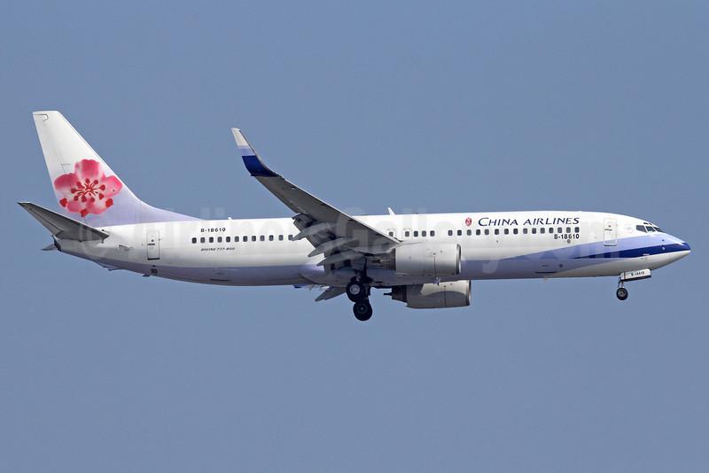 China Airlines Boeing 737-809 B-18610 (msn 29105) BKK (Michael B. Ing). Image: 911426.