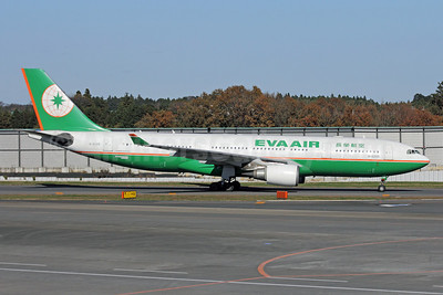EVA Air Airbus A330-203 B-16305 (msn 573) NRT (Michael B. Ing). Image: 909625.