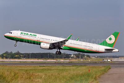 EVA Air Airbus A321-211 WL B-16215 (msn 6488) TPE (Robbie Shaw). Image: 940103.