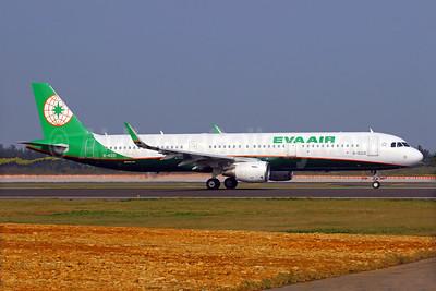 EVA Air Airbus A321-211 WL B-16221 (msn 6935) TPE (Manuel Negrerie). Image: 931498.