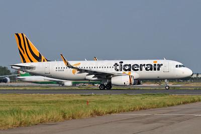 Tigerair Taiwan Airbus A320-232 WL B-50008 (msn 6700) TPE (Robbie Shaw). Image: 941986.