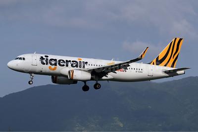 Tigerair Taiwan Airbus A320-232 WL B-50011 (msn 6917) FUK (Michael B. Ing). Image: 941987.