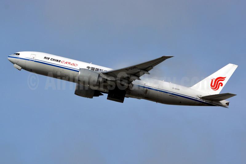 Air China Cargo Boeing 777-FFT B-2095 (msn 44678) LAX (Jay Selman). Image: 402968.