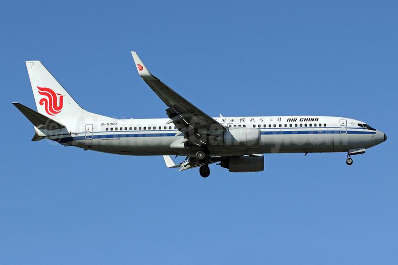 Air China Boeing 737-89L WL B-5387 (msn 36492) PEK (Michael B. Ing). Image: 907443.
