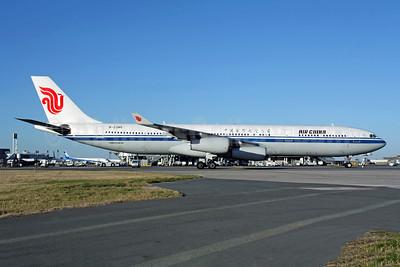 Air China Airbus A340-313 B-2385 (msn 192) CDG (Christian Volpati). Image: 950174.