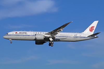 Air China Boeing 787-9 Dreamliner B-1467 (msn 34315) PEK (Michael B. Ing). Image: 939404.