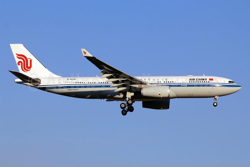 Air China Airbus A330-243 B-6130 (msn 930) SCL (Alvaro Romero). Image: 907463.