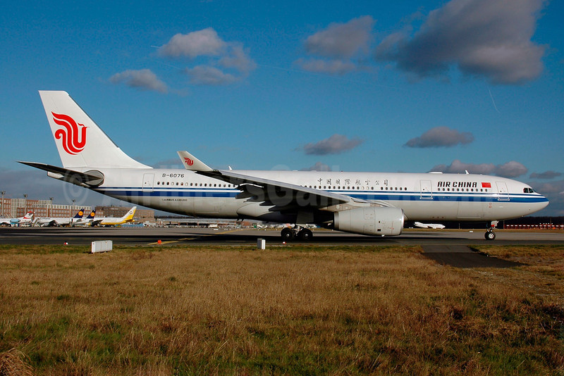 Air China Airbus A330-243 B-6076 (msn 797) FRA (Bernhard Ross). Image: 901953.