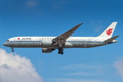 Air China Boeing 787-9 Dreamliner B-7899 (msn 34311) GRU (Rodrigo Cozzato). Image: 937384,
