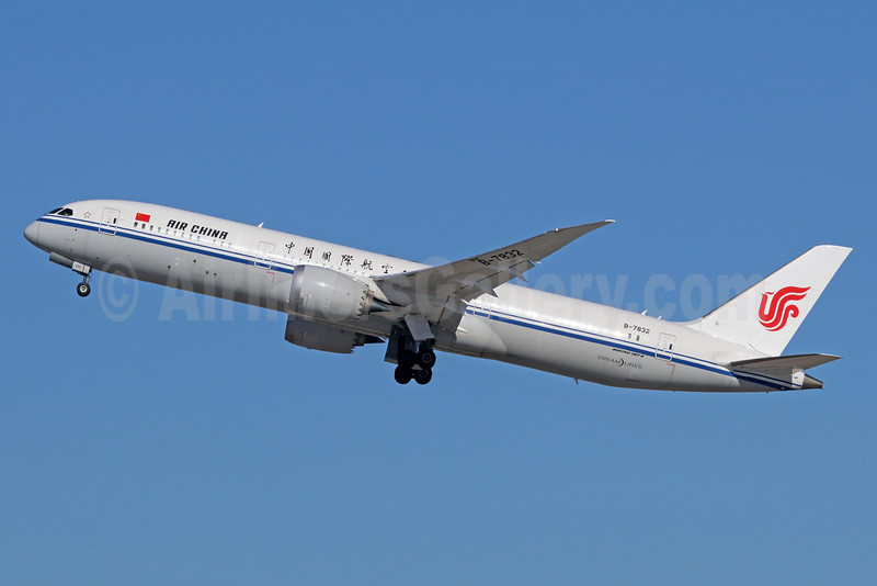 Air China Boeing 787-9 Dreamliner B-7832 (msn 34309) LAX (Michael B. Ing). Image: 935885.