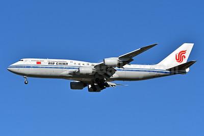 Air China Boeing 747-89L B-2482 (msn 44933) JFK (Fred Freketic). Image: 944203.