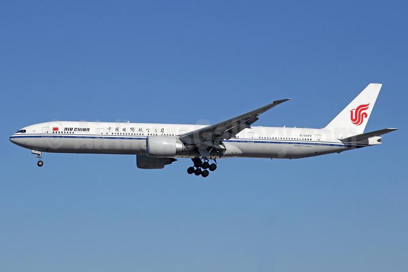 Air China Boeing 777-39L ER B-2088 (msn 38668) LAX (Michael B. Ing). Image: 910761.
