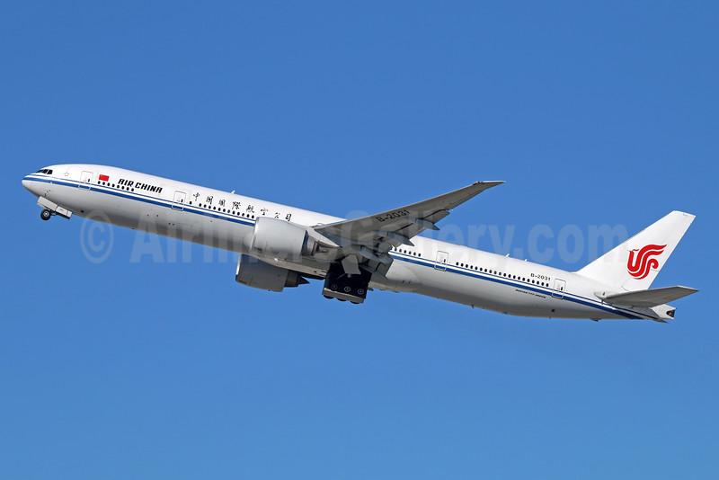 Air China Boeing 777-39L ER B-2031 (msn 38670) LAX (Michael B. Ing). Image: 931614.