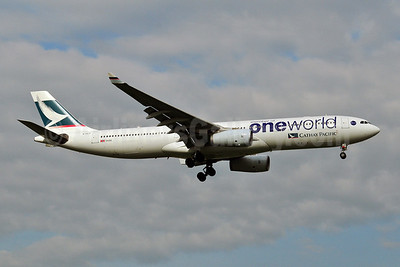 Cathay Pacific Airways Airbus A330-343 B-HLU (msn 539) (Oneworld) BKK (Ken Petersen). Image: 909095.