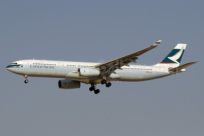 Cathay Pacific Airways Airbus A330-343 B-LAR (msn 1362) DXB (Paul Denton). Image: 911302.