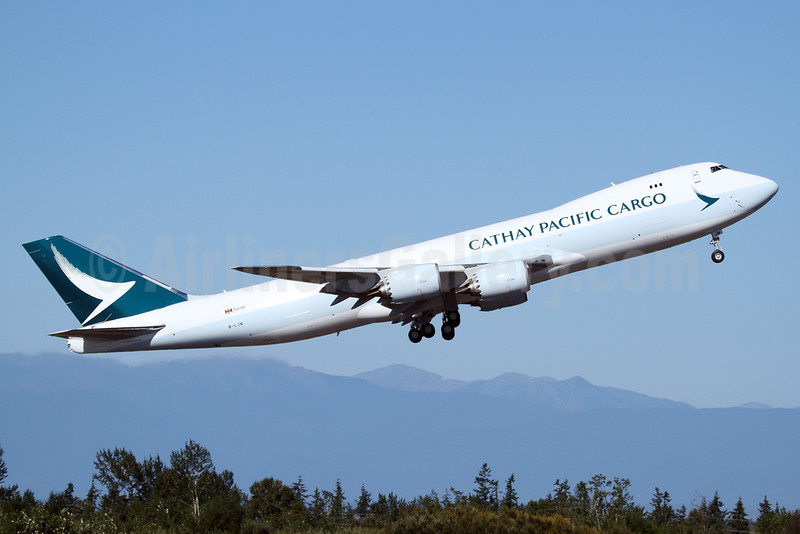 First Cathay Pacific Boeing 747 in the new livery