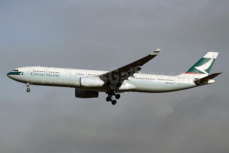 Cathay Pacific Airways Airbus A330-342 B-HLI (msn 155) SIN (Michael B. Ing). Image: 913240.