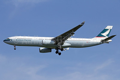Cathay Pacific Airways Airbus A330-343 B-LBH (msn 1567) BKK (Michael B. Ing). Image: 935609.