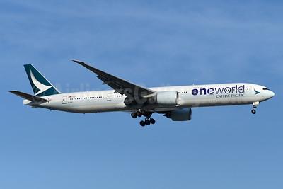 Cathay Pacific Airways Boeing 777-367 ER B-KQL (msn 41431) (Oneworld) YYZ (TMK Photography). Image: 948220.