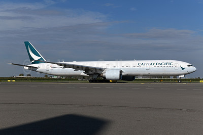 Cathay Pacific Airways Boeing 777-367 ER B-KQA (msn 37898) AMS (Ton Jochems). Image: 943969.