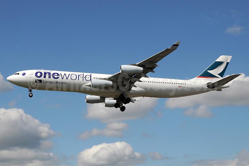 Cathay Pacific Airways Airbus A340-313 B-HXG (msn 208) (Oneworld) LHR (Rob Skinkis). Image: 903127.
