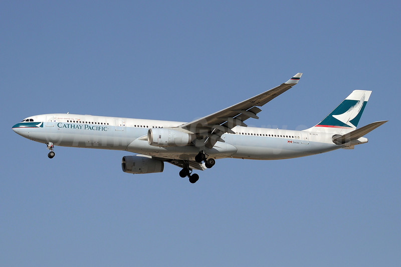 Cathay Pacific Airways Airbus A330-343 B-HLS (msn 423) DXB (Paul Denton). Image: 913241.